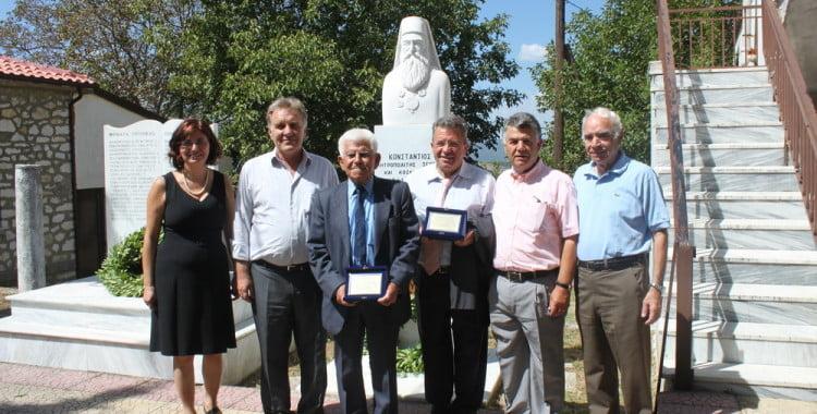 Συγκίνηση και ομοθυμία στα Αποκαλυπτήρια της Προτομής του Μητροπολίτη Κωνστάντιου (1841-1910) στο Μικρόβαλτο – Προηγήθηκε η εκδήλωση Μνήμης στα Θύματα του Ολοκαυτώματος του χωριού το 1943