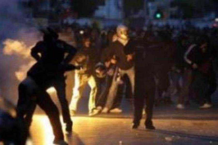 Επεισόδιο μεταξύ οπαδών ομάδων στην Κοζάνη με αποτέλεσμα τον τραυματισμό δύο ατόμων. Προσήχθησαν 16 άτομα μέχρι στιγμής, ενώ συνεχίζονται οι αστυνομικές έρευνες για τον εντοπισμό των δραστών