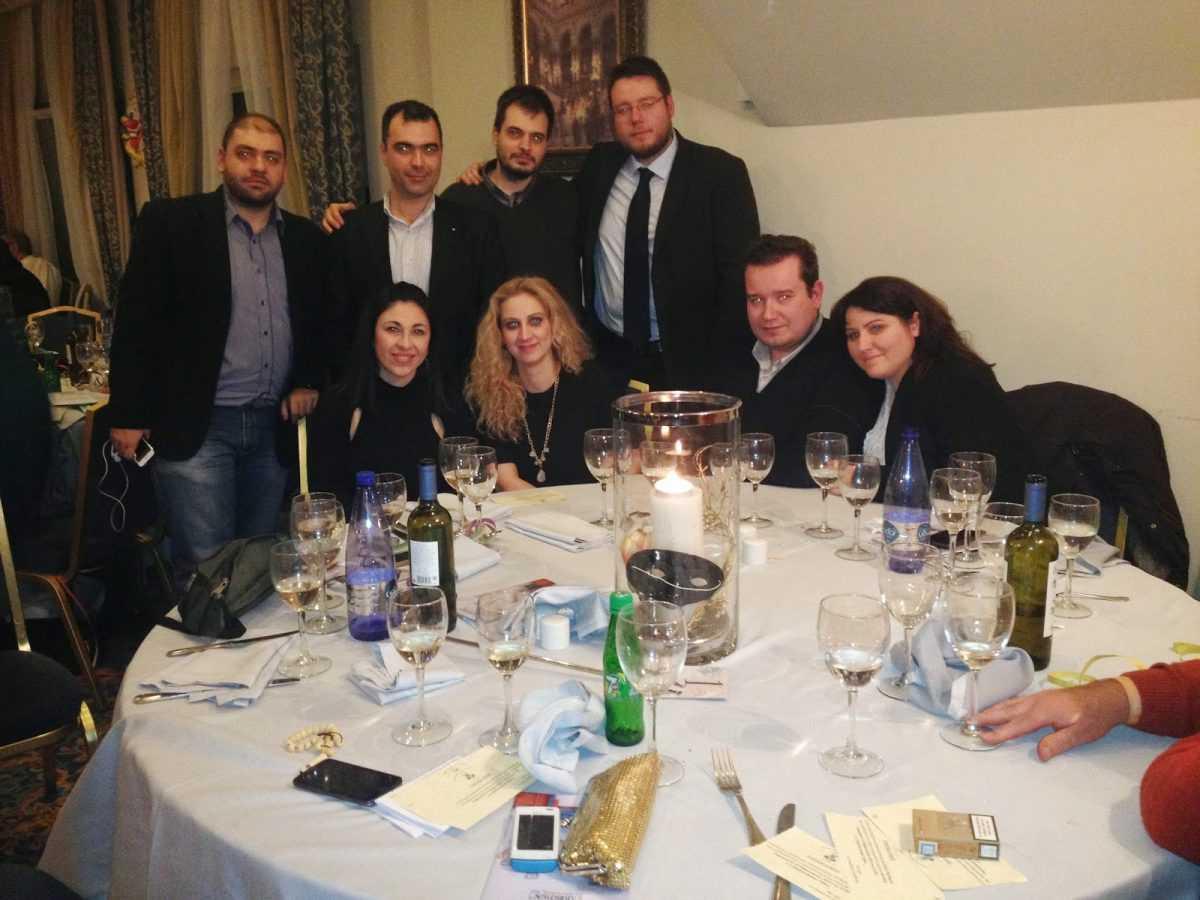 Με μεγάλη επιτυχία και πολλά νέα μέλη ο αποκριάτικος χορός «Ου Φανός» από τον Σύλλογο Κοζανιτών Θεσσαλονίκης