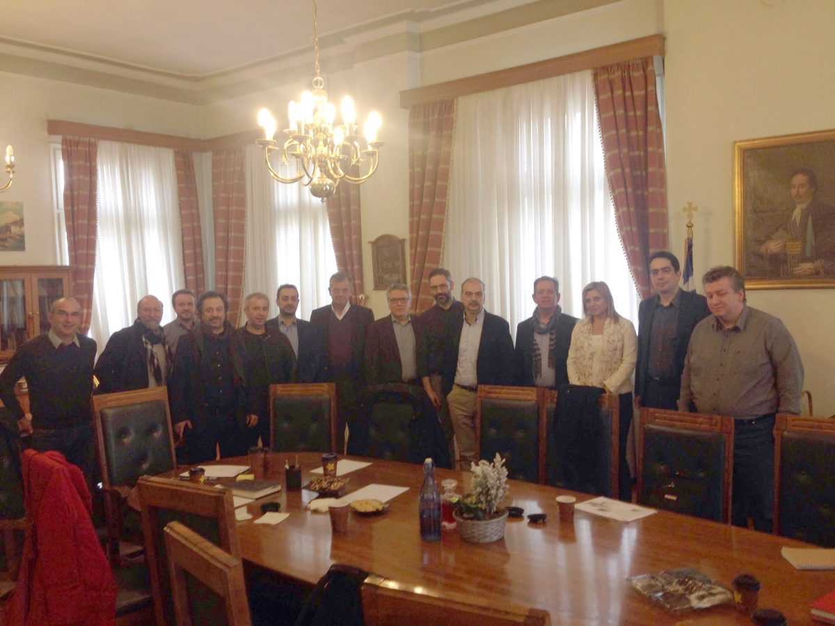 Χρηματοδοτικά εργαλεία και ανοιχτά ζητήματα της περιοχής στο επίκεντρο σύσκεψης στο Δημαρχείο Κοζάνης με τους Γενικούς Γραμματείς των Υπουργείων Οικονομίας και Περιβάλλοντος