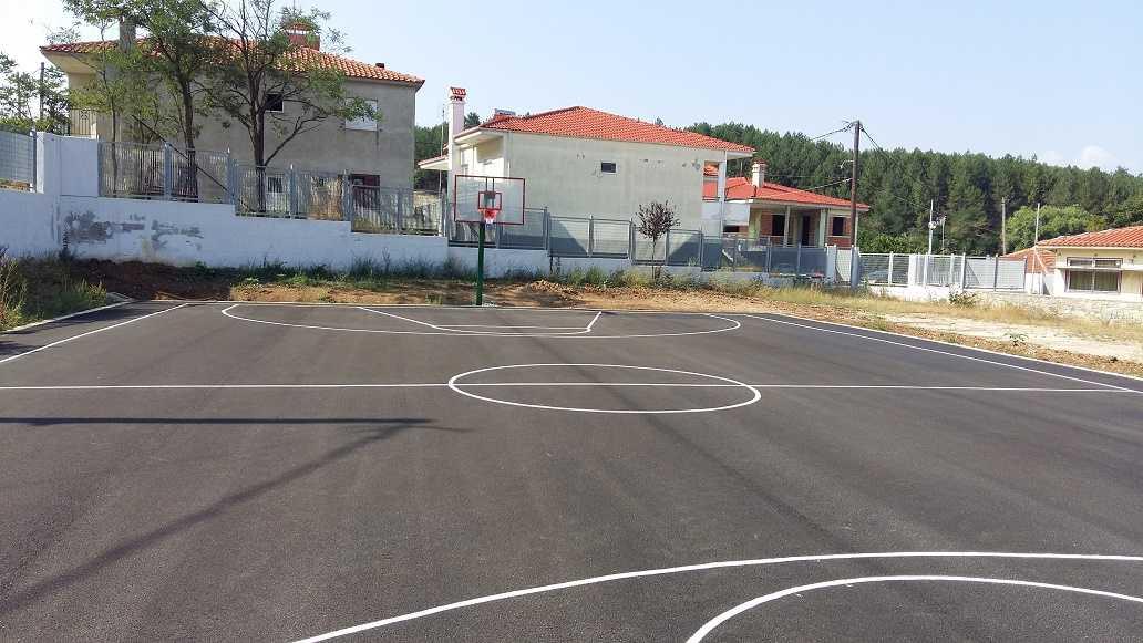 Μία νέα αθλητική υποδομή παραδόθηκε στα παιδιά και τη νεολαία του Λιβαδερού