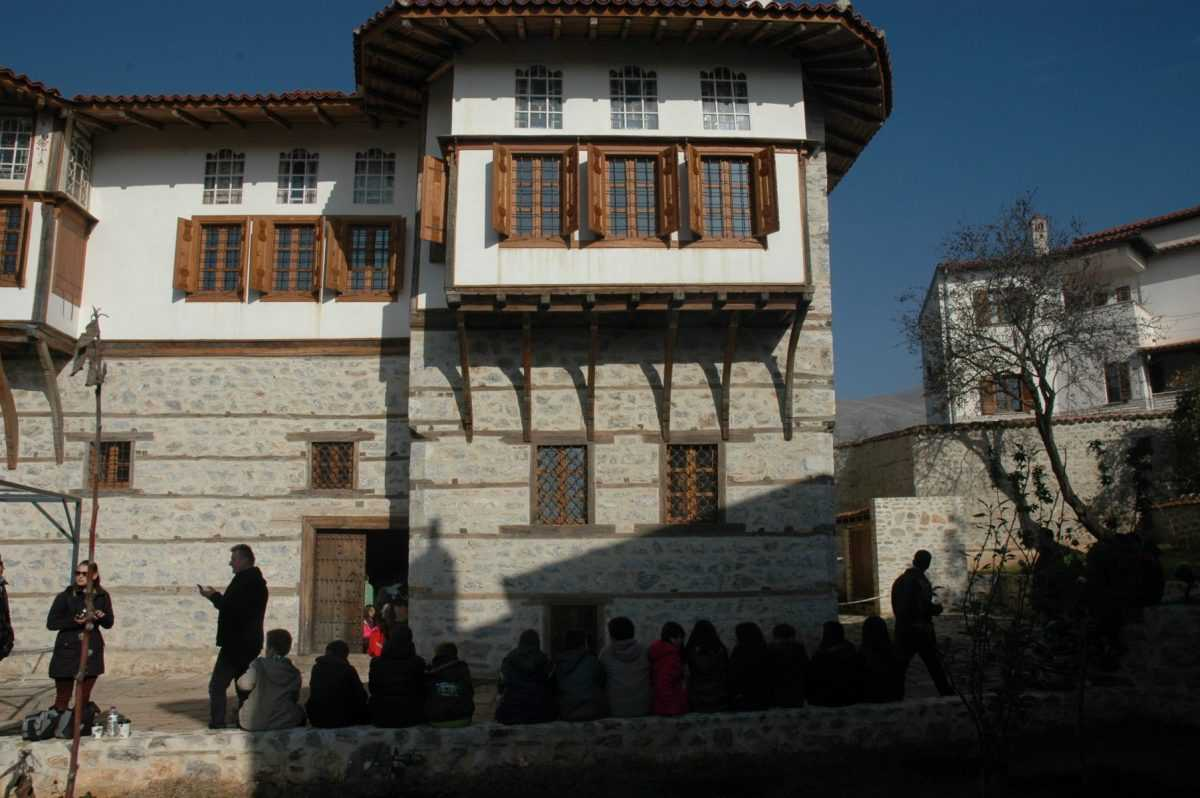 H Εφορεία Αρχαιοτήτων Κοζάνης άνοιξε δωρεάν για το κοινό, τα Αρχοντικά Πούλκως και Μαλιόγκα στη Σιάτιστα