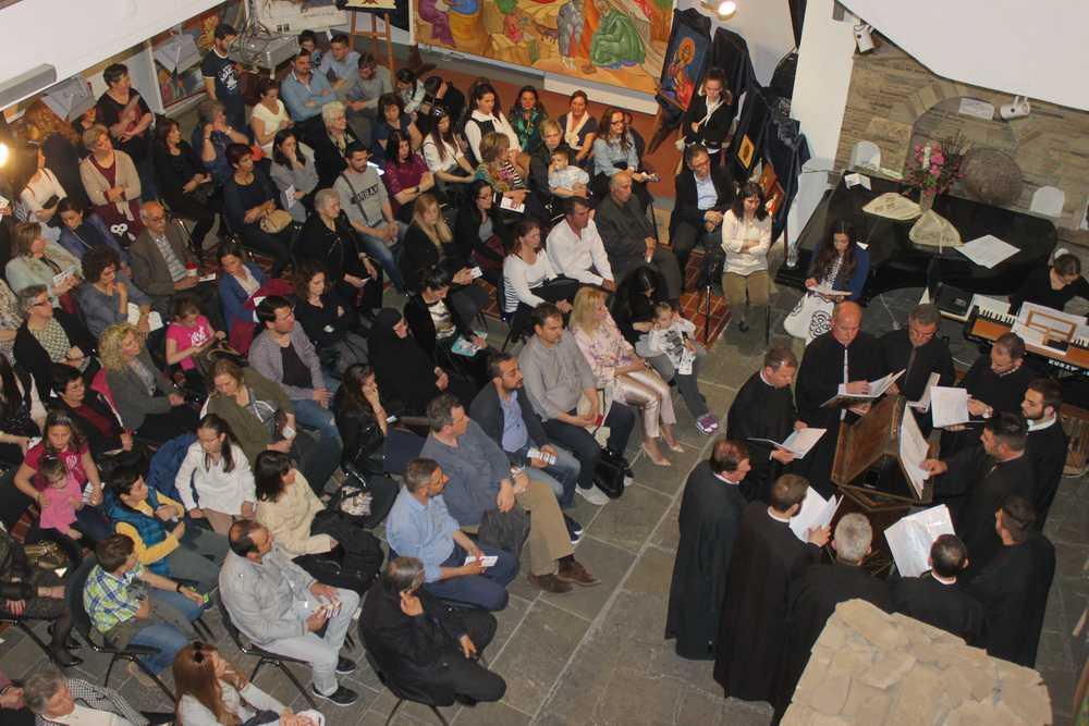 Παρουσία πλήθους κόσμου τα εγκαίνια Διεθνούς Έκθεσης Αγιογραφίας στην Κοζάνη (ΒΙΝΤΕΟ – ΦΩΤΟ)