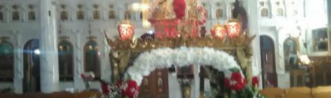 Ο Μητροπολίτης Σερβίων και Κοζάνης Παύλος προεξάρχων (Μεγάλη Παρασκευή, Πρωϊ) στον Επιτάφιο της Κοιμήσεως της Θεοτόκου Βελβεντού. - Πολύχρωμη ανθοδέσμη οι Επιτάφιοι των Ενοριών στην Α.Π.Β.