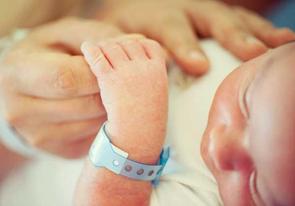 Αύξηση των γεννήσεων και μείωση των θανάτων το 2016, σύμφωνα με την ΕΛΣΤΑΤ