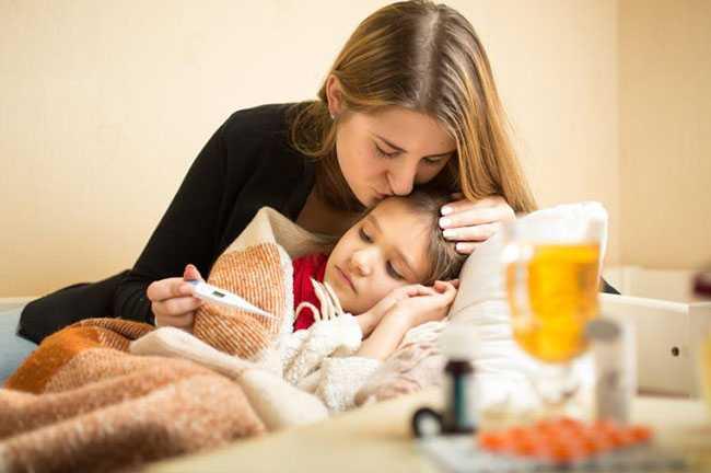 Γρίπη και παιδί: τι πρέπει να γνωρίζουν οι γονείς