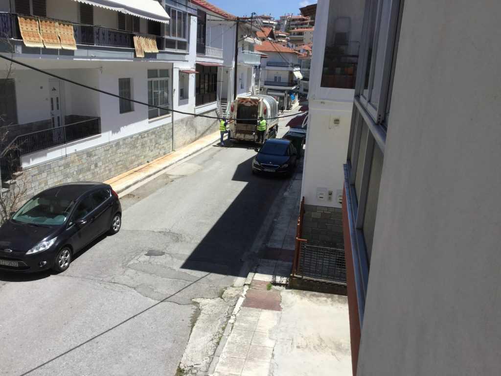 Επικίνδυνοι οδηγοί απορριμματοφόρων του Δήμου Κοζάνης που παραβιάζουν μονοδρόμους κατά συρροή και… η αβελτηρία του υπεύθυνου αντιδημάρχου Περιβάλλοντος και προϊσταμένου τους ή η παντελής αδιαφορία ή άγνοιά του!