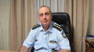 Αποστράτευσαν τον αστυνομικό διευθυντή Ευθύμιο Αμαραντίδη, με τις πανθομολογούμενες μεγάλες υπηρεσιακές επιτυχίες, τον σεβασμό που ενέπνεε σε πολίτες και συναδέλφους, όπου υπηρέτησε και καταξιώθηκε και γράφτηκε ανεξίτηλα στη συνείδηση όλων!  Τα «ταπεινά ελατήρια», οι μικρόψυχες αντιλήψεις των κριτών και οι «νεκροθάφτες» των αξιών… έτεκαν κρίσεις στην ΕΛΑΣ!