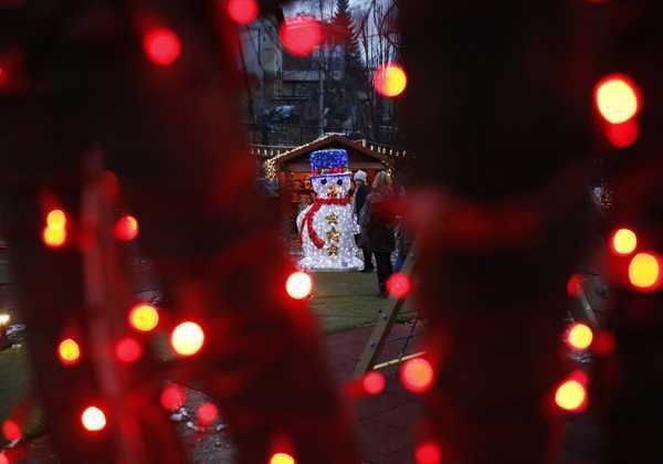 Θ. Ασκητής: Γιατί αυξάνεται η κατάθλιψη την περίοδο των Χριστουγέννων