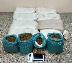 Άλλα δύο άτομα 46χρονος και 21χρονος συνελήφθησαν για διακίνηση 75 κιλών ακατέργαστης κάνναβης