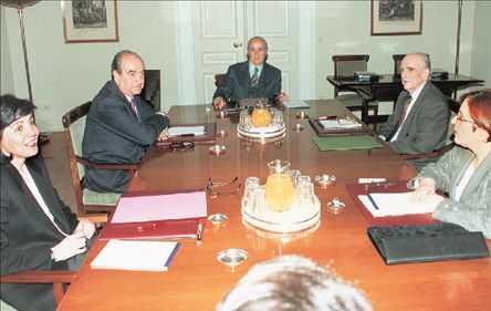 Σκοπιανό: Εκατοντάδες Καθηγητές Πανεπιστημίου καλούν τον Πρόεδρο της Δημοκρατίας  να εφαρμόσει την απόφαση των πολιτικών αρχηγών του 1992.