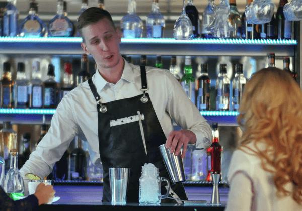 Ο πάγος που σερβίρουν τα μπαρ μπορεί να βλάψει την υγεία μας
