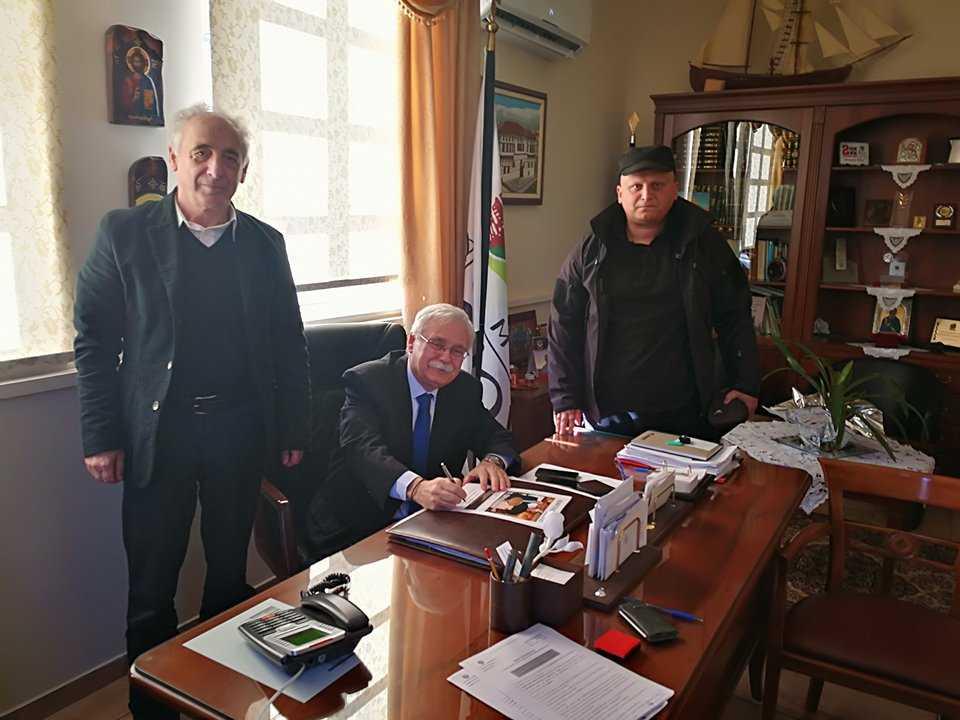 H κατασκευή πλακοσκεπούς αγωγού περισυλλογής όμβριων στην Τ.Κ. Πελεκάνου υπεγράφη από τον δήμαρχο Βοϊου Δημ. Λαμπρόπουλο