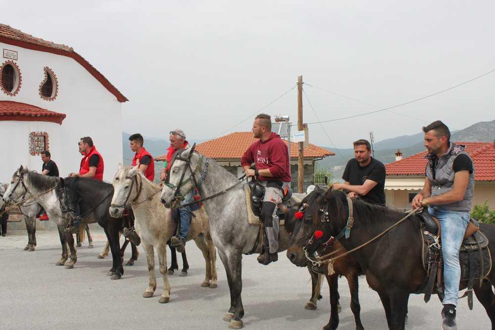 Δηλώσεις συμμετοχής για το έθιμο των καβαλάρηδων του Δεκαπενταύγουστο στη Σιάτιστα