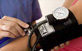 Η πίεση του αίματος πρέπει να μετριέται και στα δύο χέρια