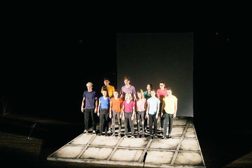 Η παράσταση «NO FUTURE!» που διακόπηκε λόγω βροχής θα πραγματοποιηθεί τη Δευτέρα 24 Σεπτεμβρίου. Επιστροφή χρημάτων