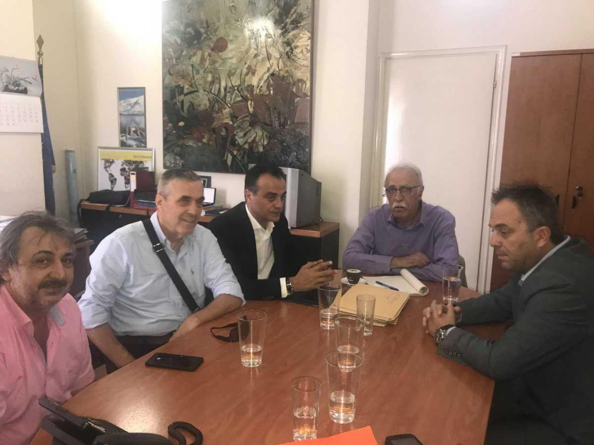 Συνάντηση Θεόδωρου Καρυπίδη με Δημήτρη Βίτσα για προσφυγικό –   Πλήρης αποδοχή των προτάσεων του Περιφερειάρχη από τον Υπουργό
