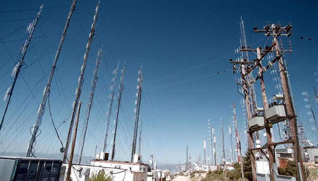 Παροχή δημόσιας επιχορήγησης έως 110 ευρώ ανά νοικοκυριό για τη σύνδεσή τους με πάροχο της επιλογής τους σε κατοίκους περιοχώνεκτός τηλεοπτικής κάλυψης στους ελληνικούς τηλεοπτικούς σταθμούς