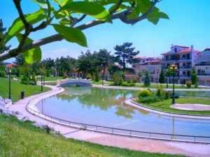 Δημοτικό πάρκο Κοζάνης χωρίς αναψυκτήριο και τουαλέτες!