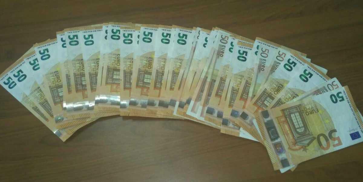 Σύλληψη 57χρονου ημεδαπού στα Γρεβενά για κλοπή. Εισήλθε σε κατάστημα στα Γρεβενά και αφαίρεσε από συρτάρι γραφείου το χρηματικό ποσό των χιλίων επτακοσίων (1.700) ευρώ.