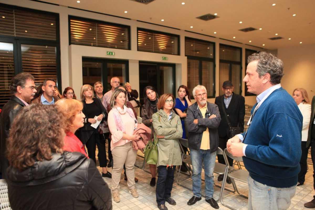 Τη συνεργασία μεταξύ της Κοβενταρείου Δημοτικής Βιβλιοθήκης Κοζάνης και της Βιβλιοθήκης της Βουλής των Ελλήνων σηματοδότησε η εκδήλωση αφιέρωμα στο Γεώργιο Λασσανη, που πραγματοποιήθηκε το βράδυ της Δευτέρας στο νέο κτίριο της Βιβλιοθήκης.