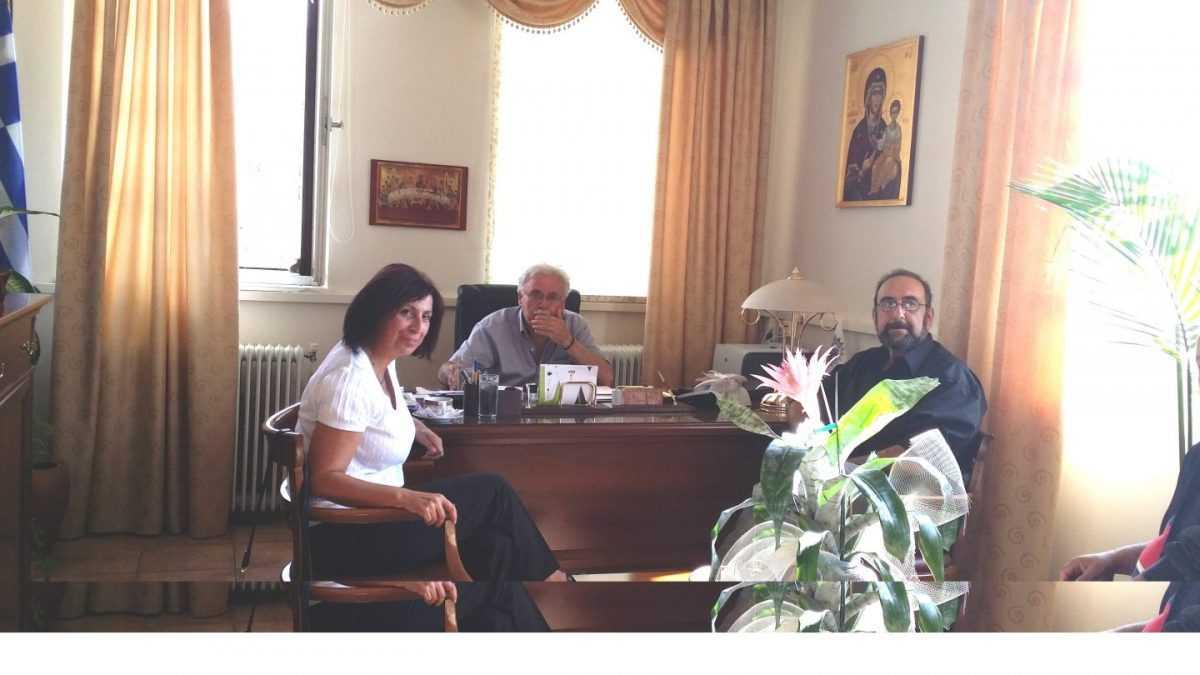 Κλιμάκιο του ΣΥΡΙΖΑ, με επικεφαλής τη βουλευτή Ευγενία Ουζουνίδου, πραγματοποίησε συνάντηση με το Δήμαρχο Βοΐου κ. Λαμπρόπουλο Δημήτριο, με υπηρεσίες του Δήμου Βοΐου, καθώς και με εκπρόσωπους των εργαζομένων στο ΚΔΑΠ, Βοήθεια στο σπίτι, τα ΚΗΦΗ