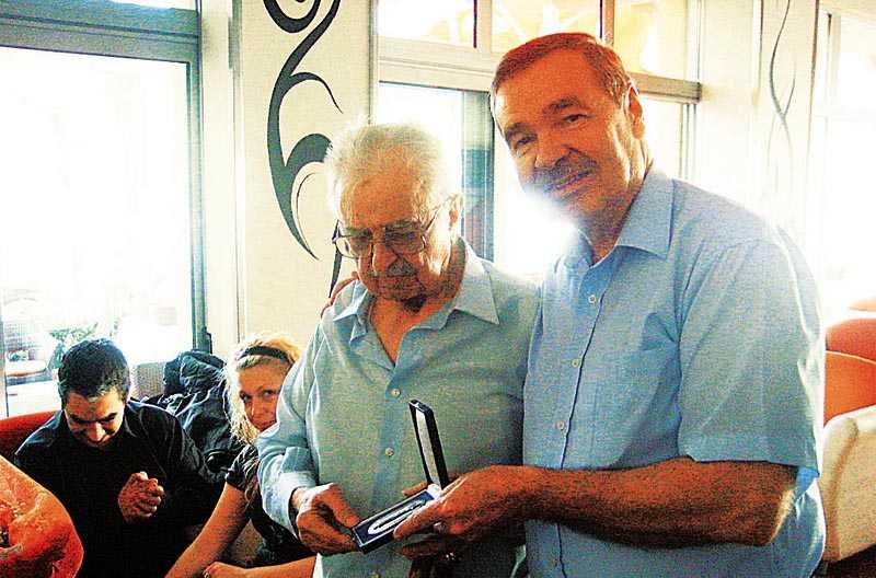 Επισκέπτεται την Κοζάνη (γενέτειρα του πατέρα του) τη Δευτέρα 13 Οκτωβρίου – Ο ΑΥΣΤΡΙΑΚΟΣ ΒΟΥΛΕΥΤΗΣ ΠΟΥ ΒΡΗΚΕ ΤΟΝ ΠΑΤΕΡΑ ΤΟΥ ΜΕΤΑ ΑΠΟ 60 ΧΡΟΝΙΑ!