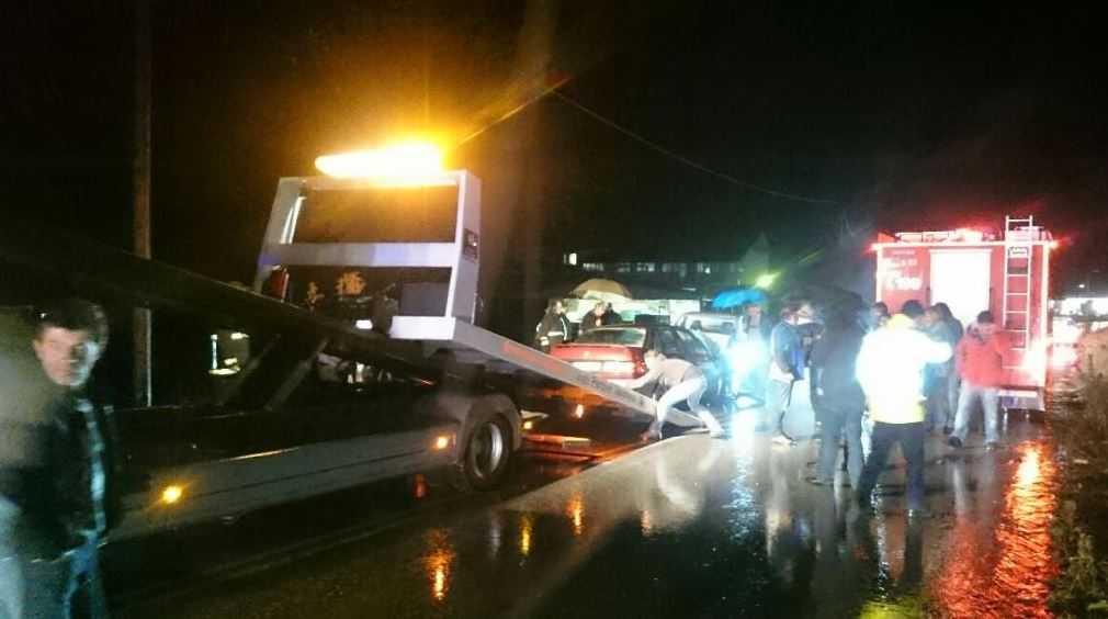 Θανάσιμο Τροχαίο ατύχημα - Σύγκρουση Ι.Χ.Ε αυτ/του με Φ.Ι.Χ αγροτικό  όχημα στο 2ο χιλ της Επαρχιακής Οδού Γρεβενών Βασιλίτσας