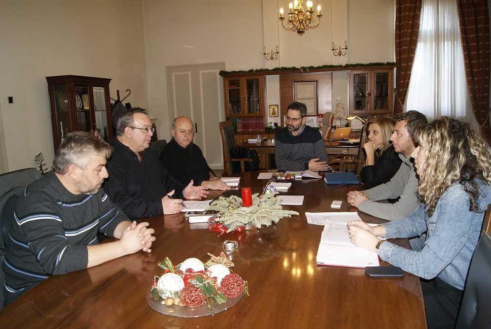 Συνάντηση εργασίας για τη διαχείριση αποβλήτων στο δημαρχείο Κοζάνης
