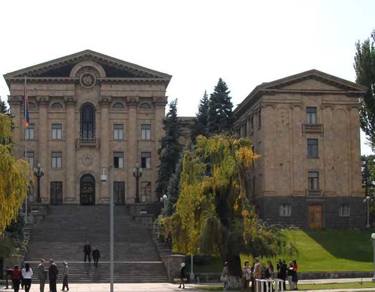 Θεοφάνης Μαλκίδης Η Αρμενία αναγνώρισε τη Γενοκτονία των Ελλήνων.