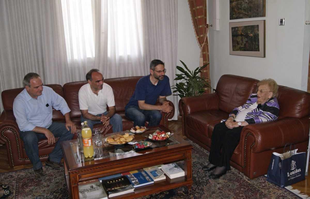 Η ευεργέτρια του Δήμου, Βανδή Ρηγούλα, επισκέφθηκε τον Δήμαρχο Κοζάνης Λευτέρη Ιωαννίδη