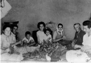1960 Βελόνιασμα καπνών Ανατολικό Πτολεμαΐδας.