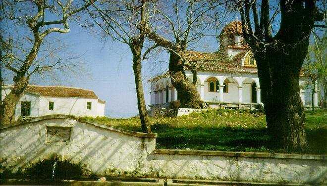 Αγιασμός θεμελίωσης Ιερού Ναού Αγίων Κωνσταντίνου και Ελένης στο Πλατανόρευμα