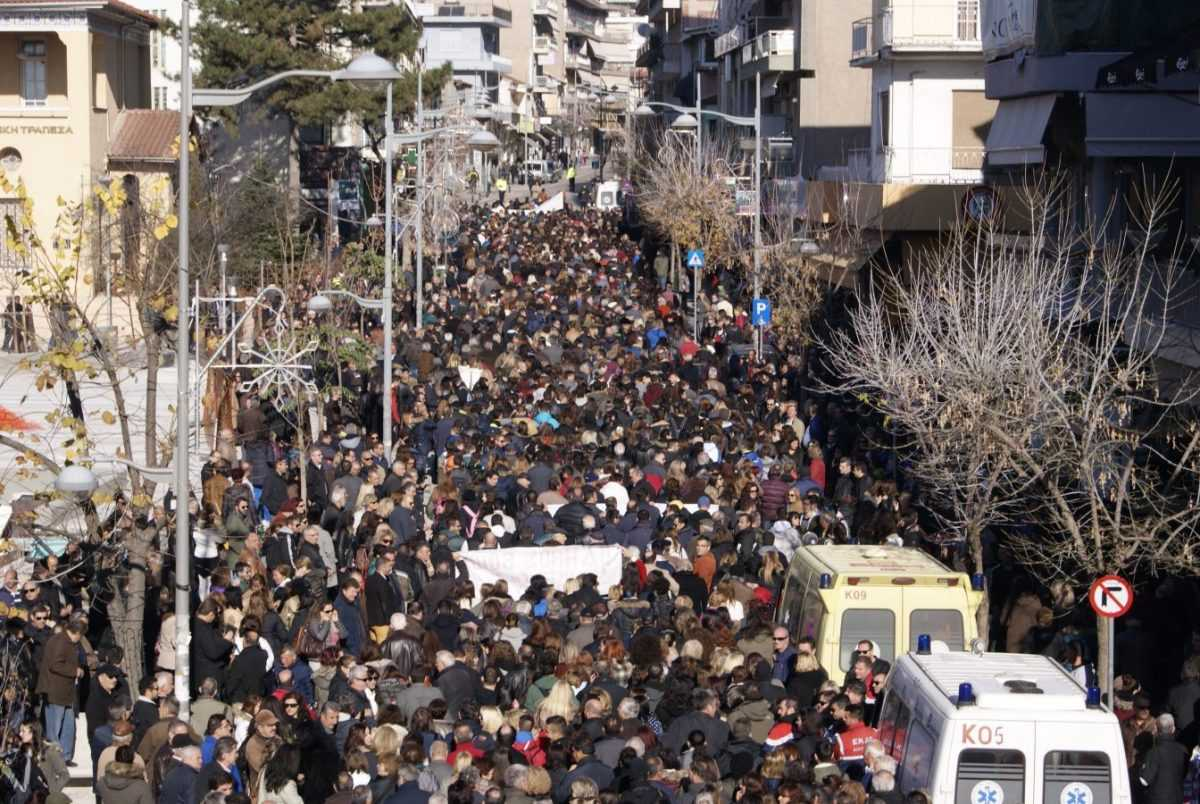 Παν-κοζανίτικο συλλαλητήριο για το Μαμάτσειο Νοσοκομείο. ΒΙΝΤΕΟ ΜΕ ΟΛΕΣ ΤΙΣ ΟΜΙΛΙΕΣ ΑΠΟ ΤΟ ΣΥΛΛΑΛΗΤΗΡΙΟ