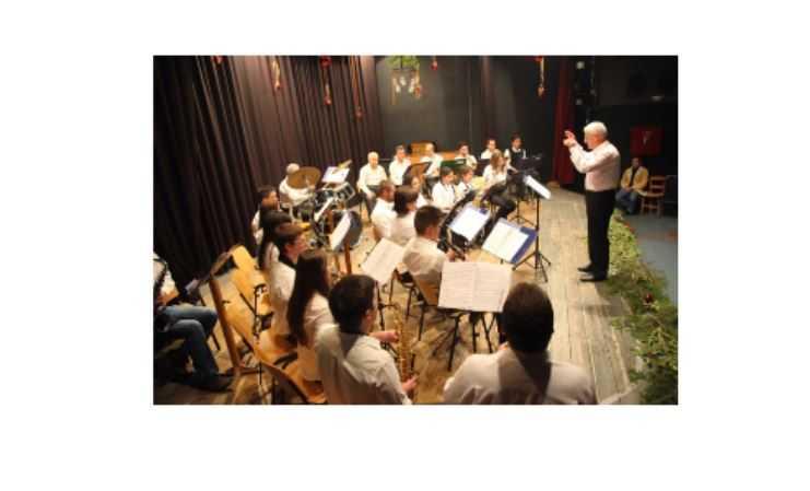 Μουσικό ταξίδι με μελωδίες Ελλήνων και Ξένων και κλασσικών συνθετών. Από τον Μορφωτικό Όμιλο Βελβεντού