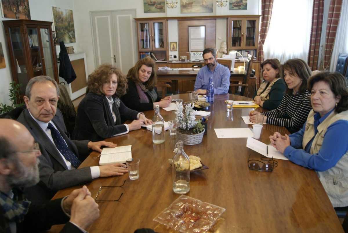 Συνάντηση του Δημάρχου Κοζάνης με τα μέλη του Συλλόγου Φίλων της Δημοτικής Βιβλιοθήκης