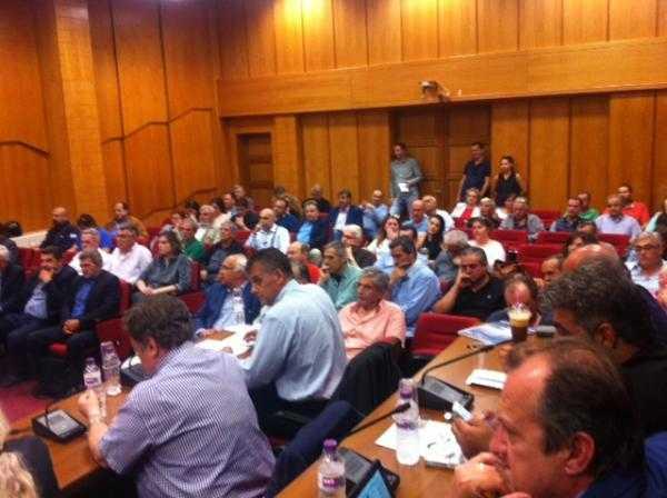 Χωρίς σχέδιο για το προσφυγικό η περιφέρεια, εντάσεις στην συνεδρίαση του περιφερειακού συμβουλίου