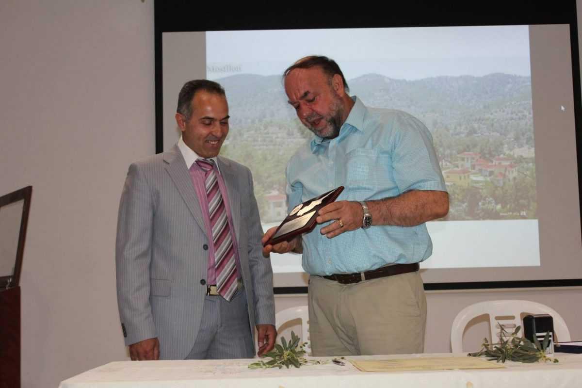 Υπογραφή Πρωτοκόλλου Συμφωνίας Αδελφοποίησης Δήμου Κοζάνης και Κοινότητας Μοσφιλωτής Λάρνακας Κύπρου