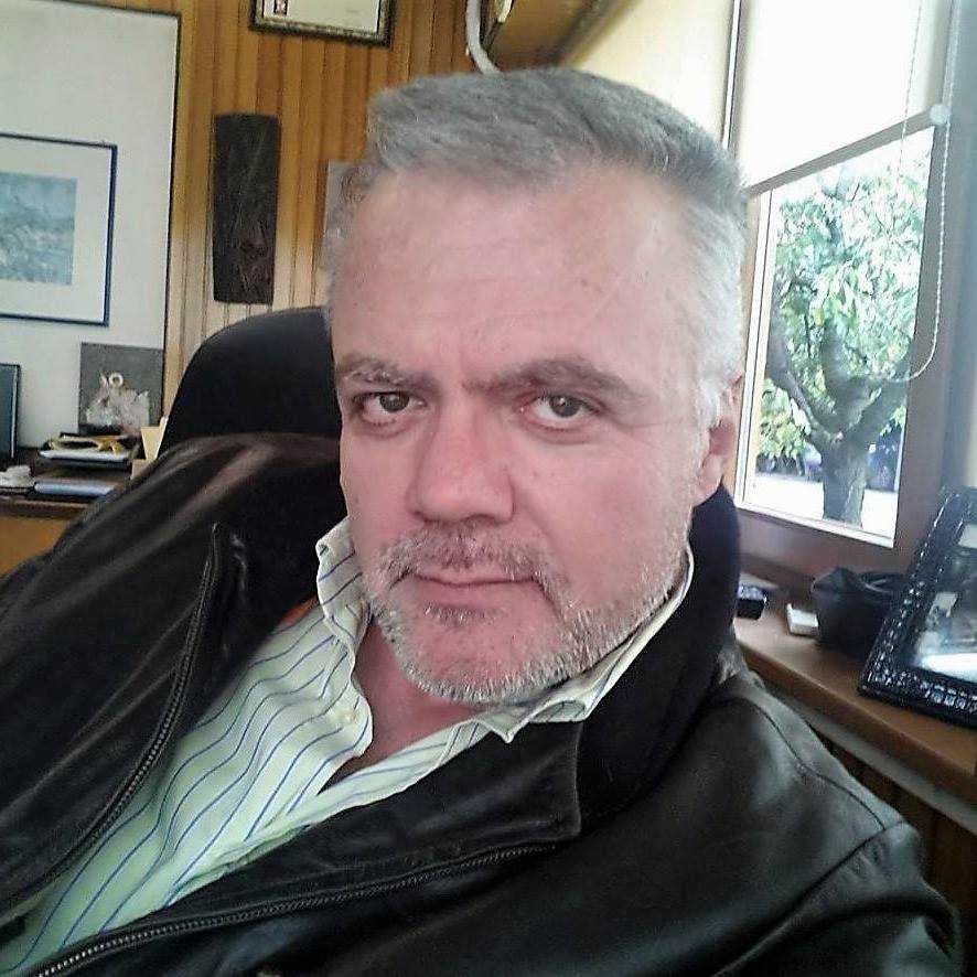Η εποχή της αδιαφάνειας, της προχειρότητας στην οικονομική διαχείριση, των πελατειακών πολιτικών έχει περάσει ανεπιστρεπτί στον Δήμο Κοζάνης.  Να αποδείξει ο κ. Μαλούτας τα όσα είπε στα συζήτηση για τα Δημοτικά τέλη.