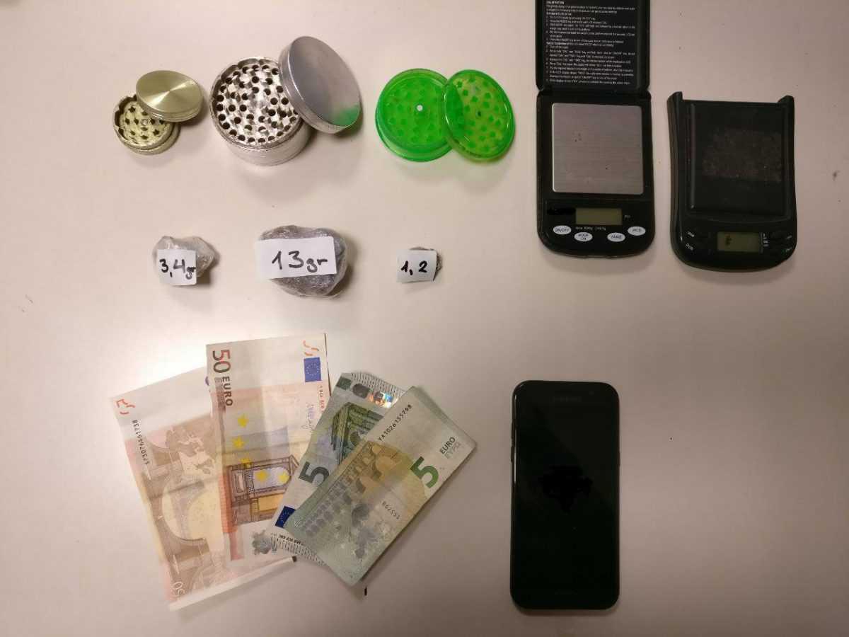 Συνελήφθη υπήκοος Αλβανίας στην Κρυσταλλοπηγή Φλώρινας σε βάρος του οποίου εκκρεμούσε Ευρωπαϊκό Ένταλμα Σύλληψης για διακίνηση σημαντικών ποσοτήτων ναρκωτικών
