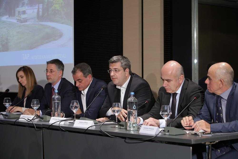 Ο ΤΑΡ επενδύει 9 εκατ ευρώ για την αναβάθμιση του στόλου οχημάτων κοινής ωφέλειας στη Βόρειο Ελλάδα Ο Διαδριατικός Αγωγός Φυσικού Αερίου (TAP AG) θα δωρίσει 92 οχήματα κοινής ωφέλειας σε τοπικές κοινότητες