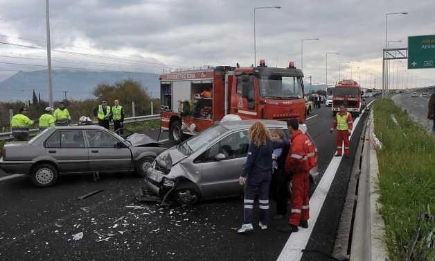 Θεσσαλονίκη: Τρεις νεκροί σε τροχαίο με 3 νέα παιδιά – Προσοχή σκληρές εικόνες [pics]