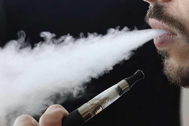 Όλα τα υγρά των ηλεκτρονικών τσιγάρων περιέχουν τουλάχιστον μια ερεθιστική χημική ουσία επικίνδυνη για την υγεία