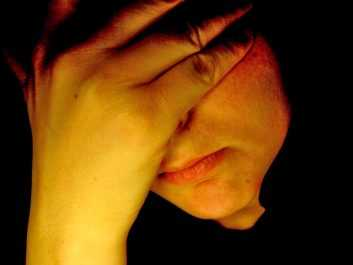 Είναι κληρονομική η κατάθλιψη; Όσα δεν ξέρετε για την ασθένεια