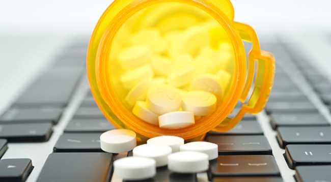 Μάστιγα αποτελεί η παράνομη πώληση πλαστών φαρμάκων μέσω του διαδικτύου