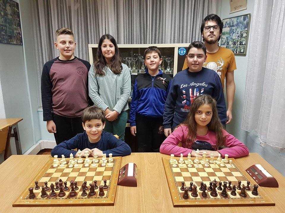 Διεξήχθησαν το Σάββατο τα πρωταθλήματα γρήγορου σκακιού Rapid (15λεπτα) των τμημάτων της Σκακιστικής  Ακαδημίας Πτολεμαΐδας, για την αγωνιστική περίοδο  2017-2018