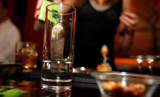 Το αλκοόλ γεννά πολλά συναισθήματα, αλλά πάνω από όλα επιθετικότητα