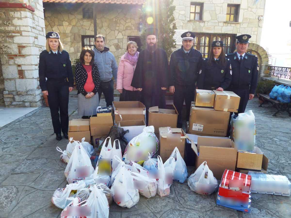Δώρα και άλλα είδη προσέφεραν οι Διευθύνσεις Αστυνομίας της Δυτικής Μακεδονίας σε φορείς και ιδρύματα