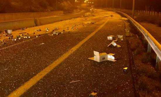 Διακοπή κυκλοφορίας της Εγνατίας Οδού προς Θεσσαλονίκη λόγω ατυχήματος. Εγκλωβισμένα πολλές εκατοντάδες αυτοκίνητα, καθώς και η ομάδα του ΠΑΟΚ