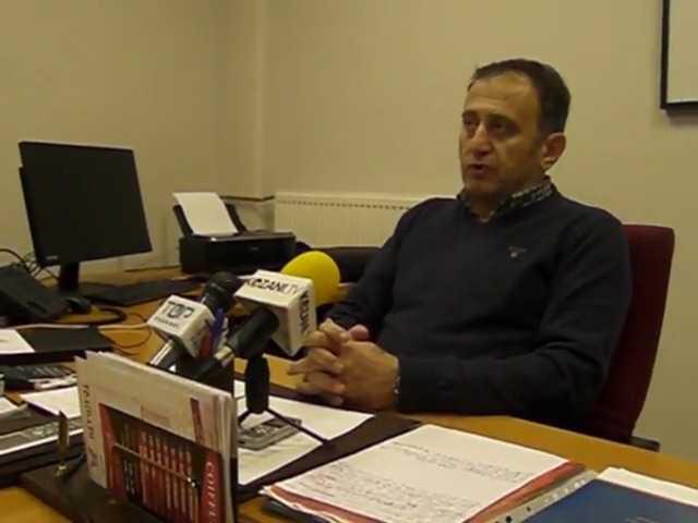 Αχιλλέας Δημητριάδης, πρόεδρος ΔΕΥΑ Κοζάνης, σε συνέντευξη τύπου:  ·Ένταξη στο ΕΣΠΑ του έργου «Προμήθεια και εγκατάσταση συστήματος διαχείρισης και ελέγχου του εσωτερικού δικτύου ύδρευσης της Κοζάνης  ·Ρύθμιση οφειλών των καταναλωτών στην επιχείρηση – 21 εκατομμύρια τα συνολικά χρέη  ·Το καταναλωθέν νερό των κατοίκων Αγ. Δημητρίου και Ρυακίου πρέπει να πληρωθεί